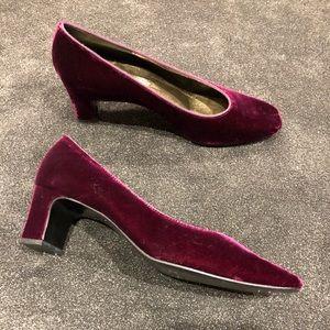 Vintage purple velvet shoes